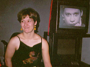 Amanda at 2001 Little Pearls event, in front of her Pearl